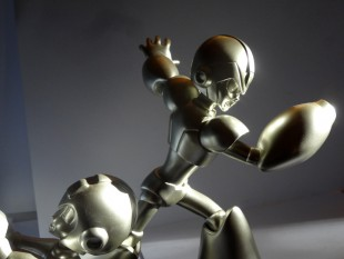 Mega Man and X 25th Anniversary Silver Statue 1000 ex
