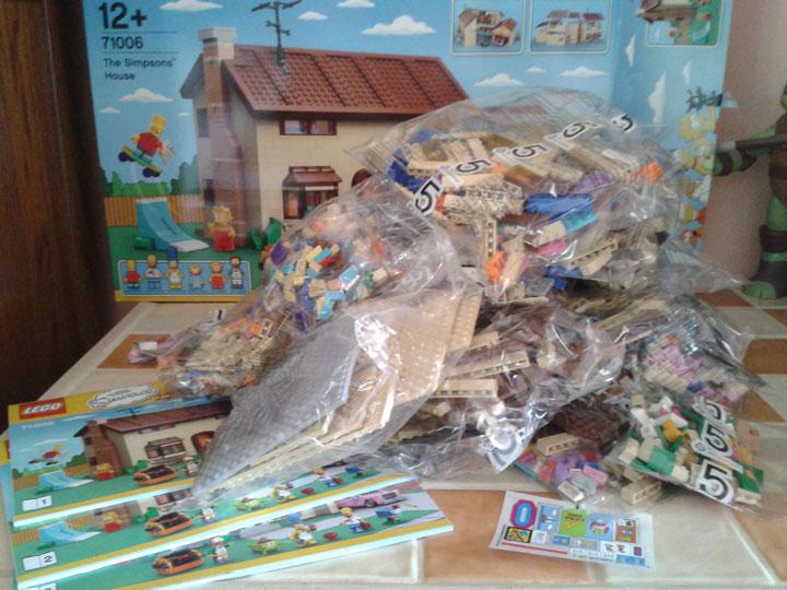 contenu-boite-lego-simpsons-maison