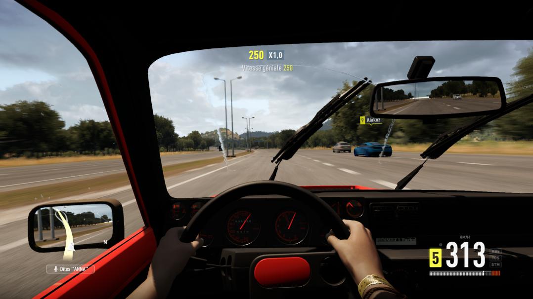 Vue du cockpit de la Renault 5 Turbo ... à l'ancienne papa !