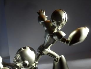 Mega Man and X 25th Anniversary Silver Statue 1000 ex