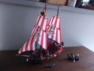 Bateau pirate Lego